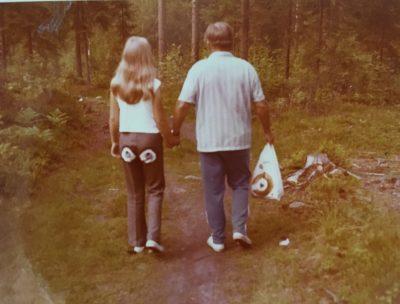 Vaula ja Yrkki kävelyllä 1972